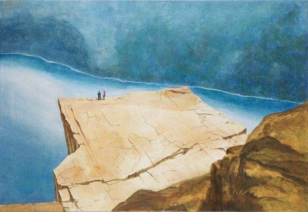 Editionen Fine Art Prints: Ein Paar steht am Rand vom Predigtstuhl oder Prekestolenin Norwegen.